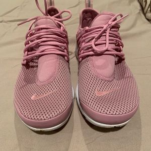 Women's presto running shoes.